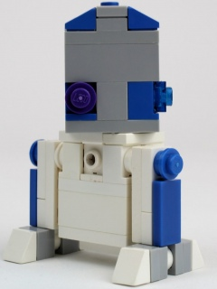 cubedude-sdcc-clone-wars-edition-r2d2-rear-scaled