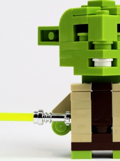 cubedude-sdcc-clone-wars-edition-yoda-front-scaled